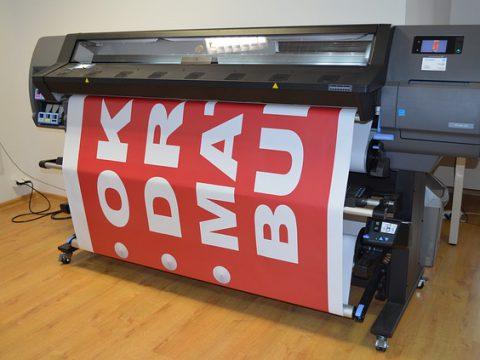 Firmy oferujące projektowanie i druk banerów reklamowych